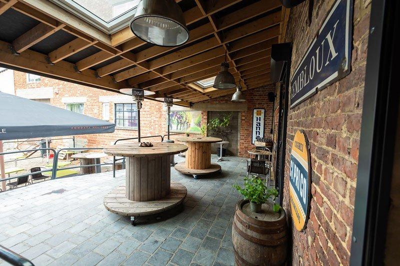 Le Pressoir Gembloux bar à vin et lieu de réception avec terrasse